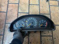 Mercedes-Benz E220 CDI W210 Tachometer Tacho Kombiinstrument 2105401448