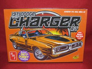 Dirty Donny's 1971 Dodge Charger R/T Road Track Custom 71 AMT 1:25 Model Kit 945