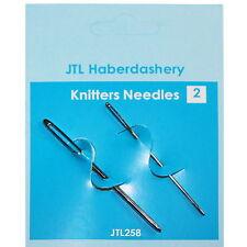 Un par de las agujas de coser Knitters, dos tamaños diferentes, JTL 258