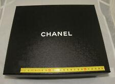 Authentique boite à chaussures vide Chanel 30.5 x 25.5 x 11.5 centimetre ( 025 )