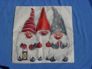 """NEW ZIPPERED PILLOW COVER CHRISTMAS 3 GNOMES 18""""SQUARE"""