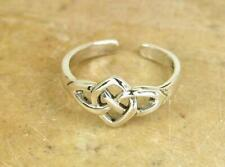Pretty Sterling Silver Celtic Knot Adjustable Toe Ring In White Gold Finish