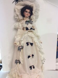 """Large Vintage Victorian Porcelain Doll - Show Stoppers - Limited edition 26"""" tal"""