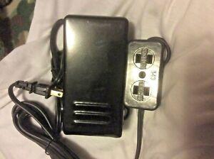 SEWING MACHINE FOOT CONTROL PEDAL W/ LIGHT & CORD MOTOR BLOCK ***