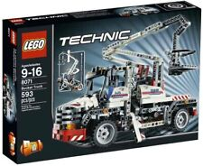 LEGO Technic Bucket Truck (8071) Brand New Great Condition Sealed Ships Fast