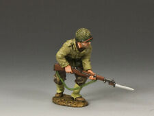 "KING & COUNTRY DD185 WWII ""U.S. ARMY GI ADVANCING WITH RIFLE AND BAYONET""  MIB!"
