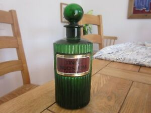 VERY GOOD CONDITION TINCT: NUCIS. VOM: (POISON) GREEN RIBBED CHEMIST BOTTLE