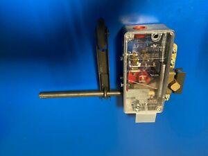 DEWHURST VL10 LOCK  Gate locks Gatelocks 601981