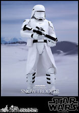 STAR WARS SIDESHOW HOT TOYS - FIRST ORDER SNOWTROOPER 1/6 SCALE FIGURINE
