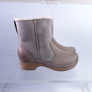 Size 9.5-10 Women's EUR 40 Dansko Bettie Shearling Pull-On Booties Taupe
