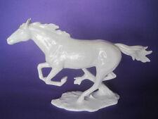 Zeitgenössische Zierporzellan-Figuren mit Pferde-Motiv