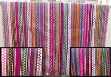 Superbe tapis avec décoration géométrique  => 2.20 x 2,20 (9b)