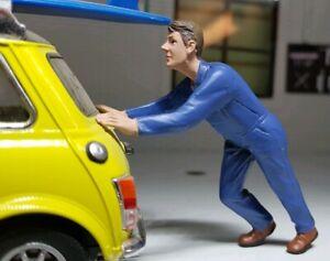 G LGB 1:24 Scale Workman Figure Pushing Car Breakdown Garage Workshop Diorama