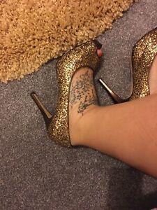 Well Worn Nine West Gold Bronze Glitter Peep Toe Stiletto Platform Heels Size 8