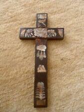 CROIX RELIGIEUSE ANCIENNE  BOIS ET  INCRUSTATIONS DE NACRE  INDOCHINE VIETNAM