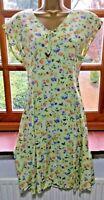 Vintage Tea dress Ditsy floral Pistachio/ Pale green  small 10 German brand