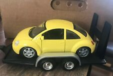 Maisto 1/25 Diecast VW Volkswagen New Beetle w/ Car Hauler/trailer