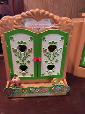 Vintage Strawberry Shortcake Berry Patch Display Case-2 minature figures-1980