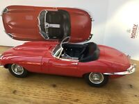 NOREV 122720 JAGUAR E TYPE CABRIOLET model road car red / black 1962 1:12th