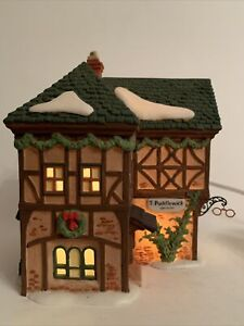 Department 56 Dickens Village Series T PUDDLEWICK SPECTACLE SHOP 58331 Lighted