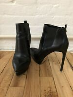 womens black leather ankle boots - size 8 - Michael Kors