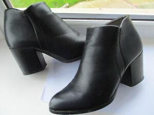 TRUFFLE Ladies black block heeled almond toe ankle boots U.K. 5 (EUR38)