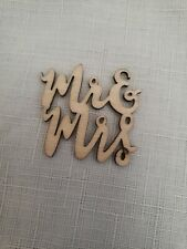 15 PCs Mr & Mrs Scripted Wooden Table Confetti Wedding Decoration