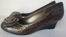 Brighton Harem Wedge Heels Women's Shoes Size 7.5 gold brown black with flower