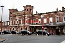 PHOTO  2010 CHESTER RAILWAY STATION NO RAILWAY STATION IN BRITAIN HAS A FINER FR