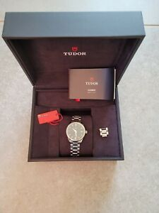 Tudor Style 12300 34mm