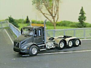 Dcp Custom gray Volvo VNR 300 4 axle heavyhaul daycab tractor new no box 1/64