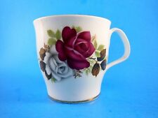Royal Albert bone china cup red and White Roses with Gold trim