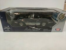 1961 Chevrolet Corvette Mako Shark Dark Blue 1/18 Diecast Model Car by Motormax