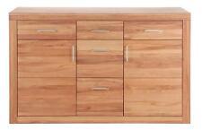 Schränke aus Massivholz in aktuellem Design fürs Schlafzimmer