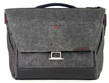"OPEN BOX Peak Design The Everyday Messenger Bag 15"" Charcoal."