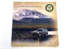 2005 Jeep Grand Cherokee 32-page Car Sales Brochure Catalog - Laredo Limited