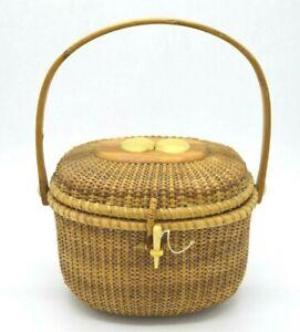 R.L. Webber Nantucket Seashell Motif Lid Latch Handled Basket Vintage