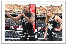Ronda Rousey & the rock WWE WRESTLING signé photo autographe wrestlemania