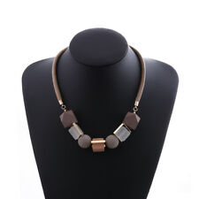 2019 Hot Multi Color Wooden Geometric Bead Pendant Statement Necklace for Women
