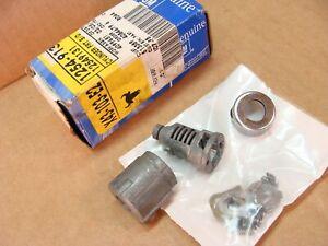 NOS GM 12549131 door lock cylinder 95 2000 Chevy truck Tahoe etc 96 97 98 99