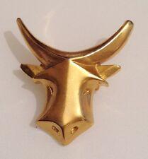 broche bijou vintage tête de boeuf en relief couleur or poli brillant 3323