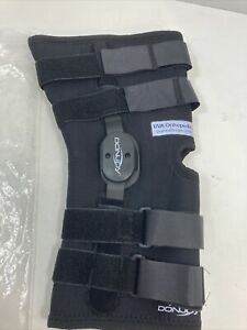 NEW in bag DonJoy Playmaker knee brace, Spacer material, size MEDIUM