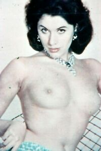 35mm SLIDES : 1960's TOPLESS FEMALE MODELS POSING FOR THE CAMERA (6 PICS)