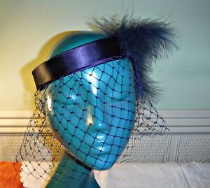 CLASSIC 20S STYLE *BESPOKE NAVY BLUE HALO SATIN BAND HAT NET VEIL & FEATHERS WOW
