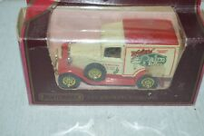 VOITURE FOURGON FORD VAN 1930 1/38 MATCHBOX 1984 WALTER PALM TOFFEE BOITE