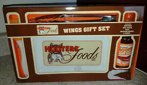 New Hooters Wings Gift Set ~ Hooters Wing Sauce, Tray, Basting Brush & Tongs