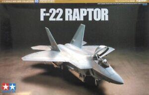 Tamiya 60763 1/72 Scale Model Aircraft Kit USAF Lockheed Martin F-22 Raptor