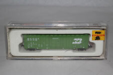 CON-COR N SCALE BURLINGTON NORTHERN 50' RIB SIDE BOXCAR, RAPIDO COUPLERS