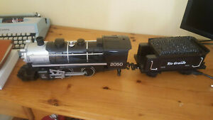 Black Canyon Express G gauge Radio Control battery powered locomotive and 4 cars