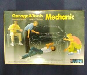 Fujimi Garage And Tools Mechanic Model Kit. Model Number 11003